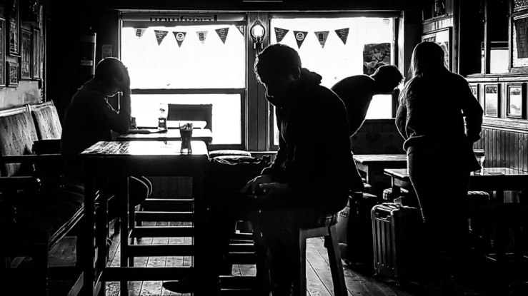 1024px-At_The_Pub_Dublin_Ireland_Black_And_White_Street_Photography_(160642027)